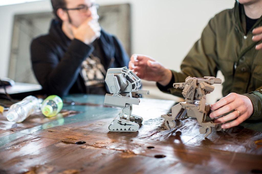 【動画】ロボットの殺し合いが熱い 選挙に飽きたら見よう [無断転載禁止]©2ch.net [864079187]YouTube動画>38本 ->画像>41枚